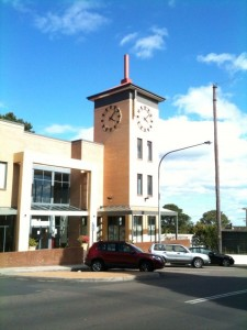 Leura Spire Clock Tower showing the correct time!